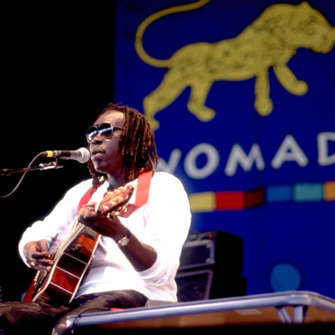 1 Septemebr 1993: Ugandan musician Geoffrey Oryema performing in Chicago, Illinois. (Photograph by Paul Natkin/Getty Images)