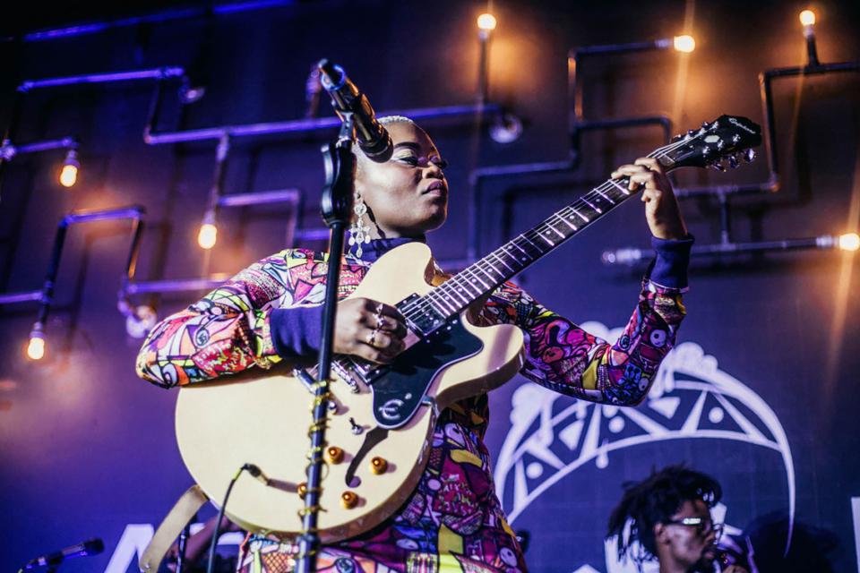 25 October 2018: Zoë Modiga performs at Afrobru in Maboneng. (Photograph by Sabelo Mkhabela)