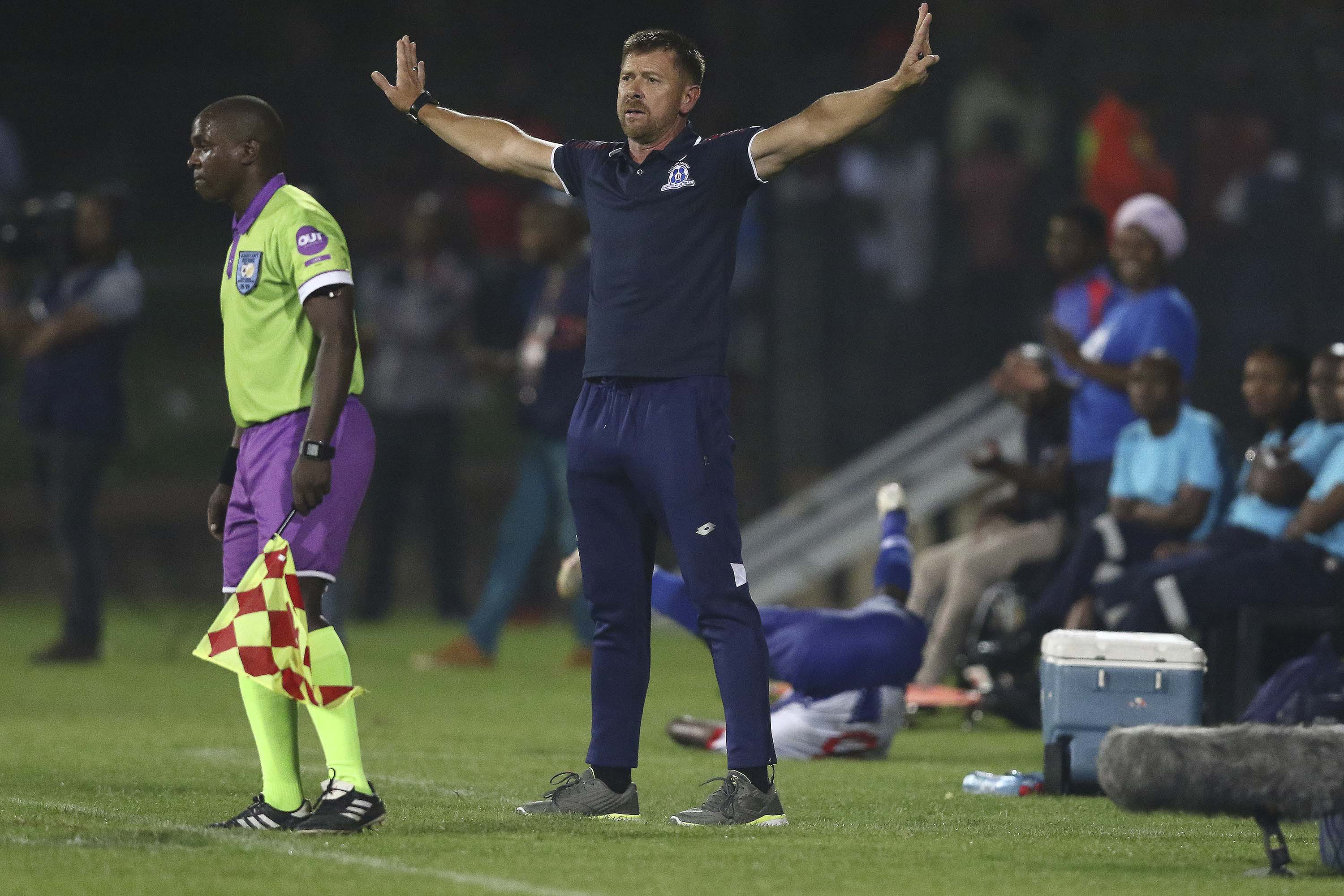 8 February 2019: Eric Tinkler sends a clear signal from the touchline to his Maritzburg United players during the Absa Premiership match against Polokwane City at Harry Gwala Stadium in Pietermaritzburg. (Photograph by Anesh Debiky/Gallo Images)