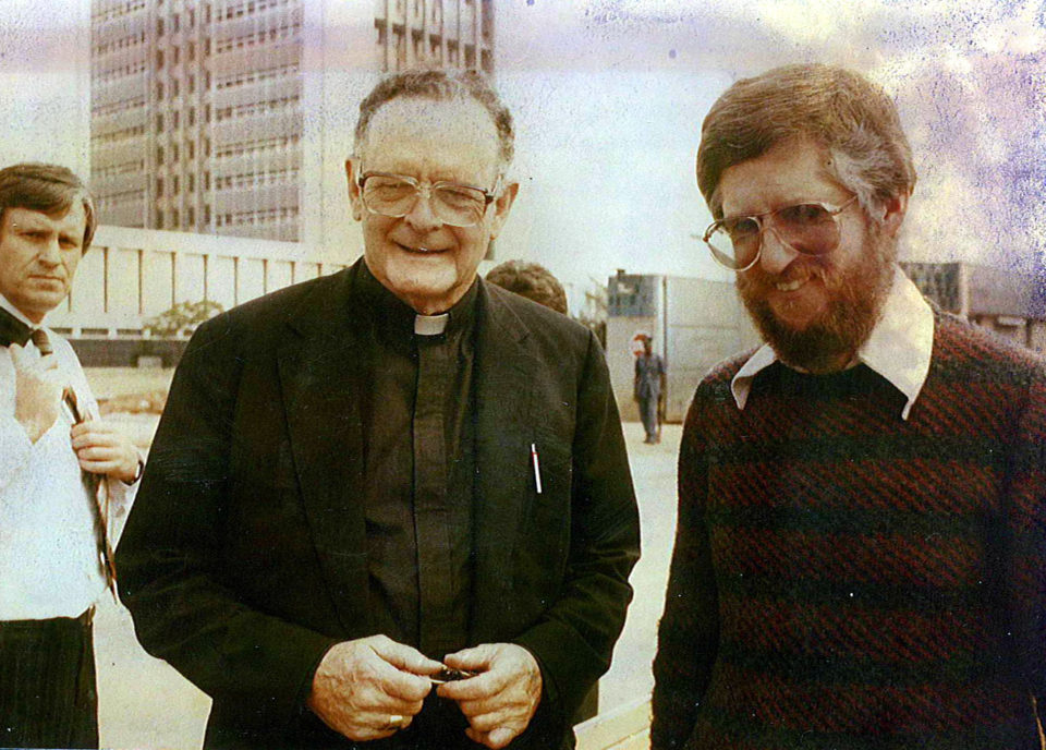 11 September 1985: (Right to left) Paddy Kearney with Archbishop Denis Hurley and then Advocate Chris Nicholson outside Durban's CR Swart police headquarters. (Photograph courtesy of the Denis Hurley Centre archives)