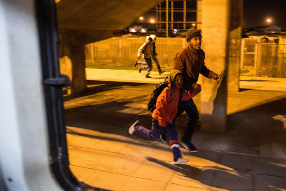 25 June 2019: Commuters running for the train on which Minister of Transport Fikile Mbalula planned to live the daily experience of Cape Town rail travellers. The trip from Khayelitsha to Langa didn't go as planned. (Photographs by Ashraf Hendricks/GroundUp)