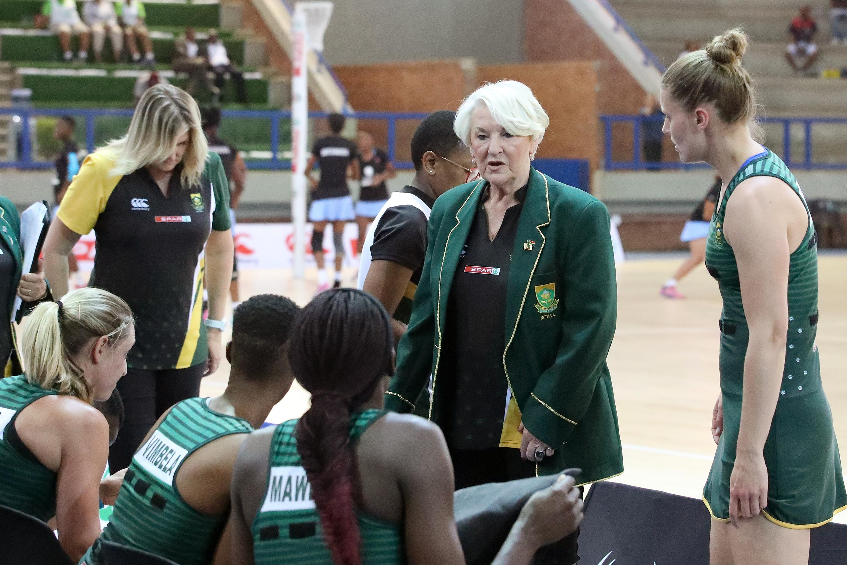 28 November 2018: Spar Proteas coach Norma Plummer speaks to her netball team before their Diamond Challenge game against Botswana at the Ngoako Ramatlhodi centre in Polokwane. (Photograph by Reg Caldecott/Gallo Images)