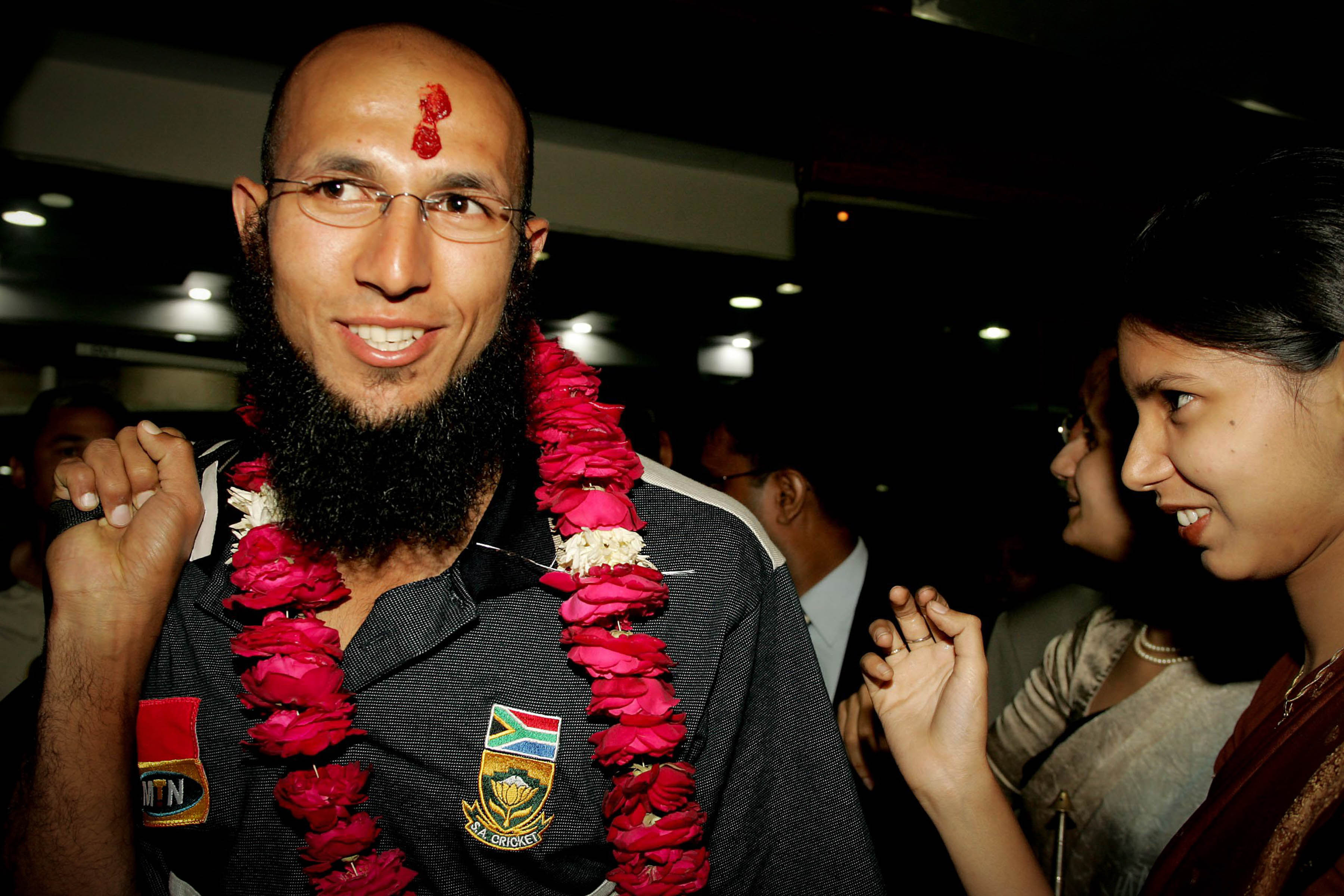 17 November 2004: Hashim Amla arriving in Kanpur late with the South African cricket team after their bus broke down in Lucknow, India. The Proteas lost the two-match Test series 1-0 after drawing the first game. (Photograph by Duif du Toit/Gallo Images)
