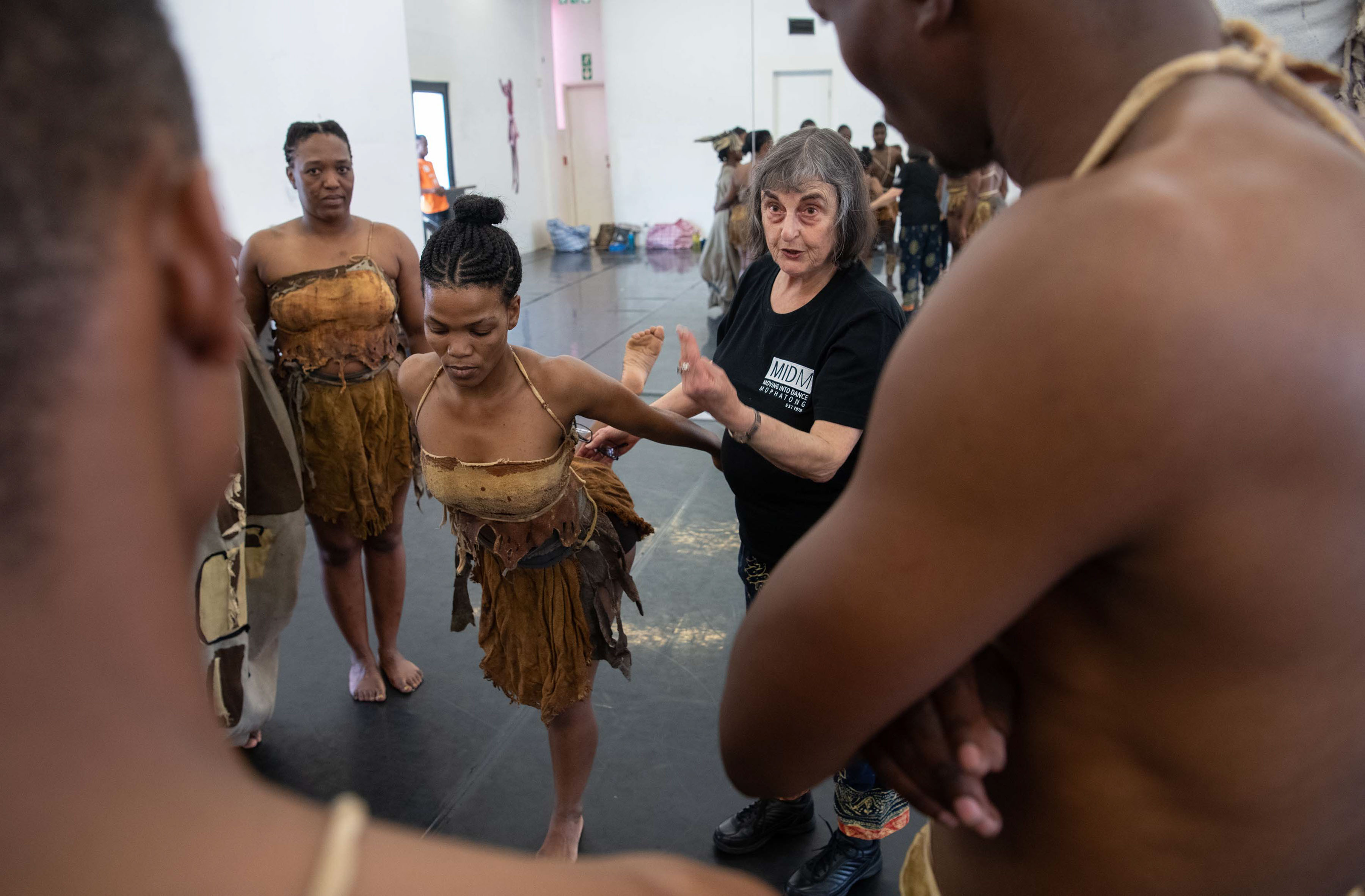 """18 September 2019: """"This is how it is done,"""" says choreographer Sylvia """"Magogo"""" Glasser to the Moving into Dance cast of Tranceformations during their dress rehearsal for the work."""