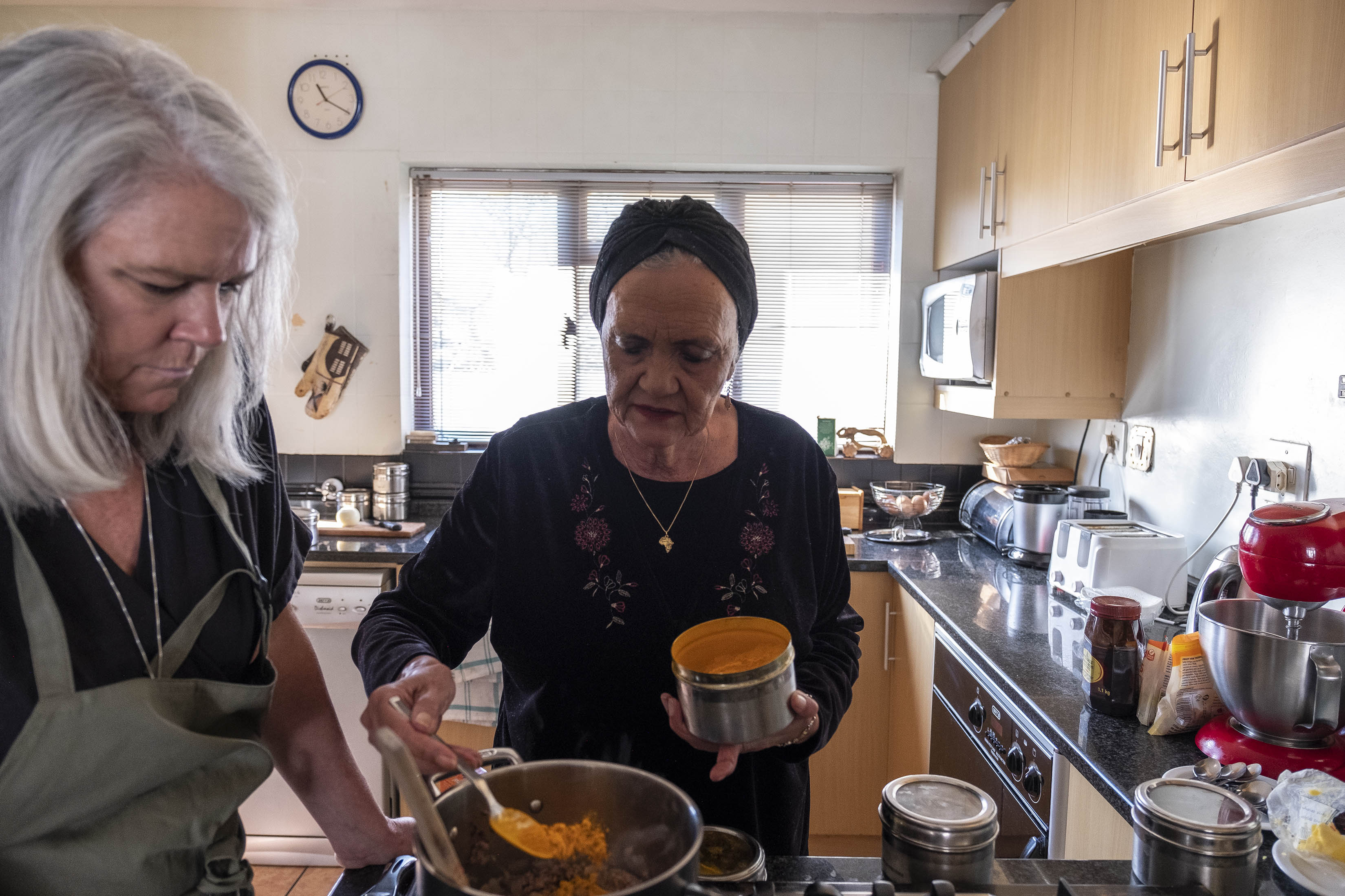 3 September 2019: Cass Abrahams (right) with Mary Kluck, her student for the day, talking about the history of the Cape as well as the spices used in Malay cooking.
