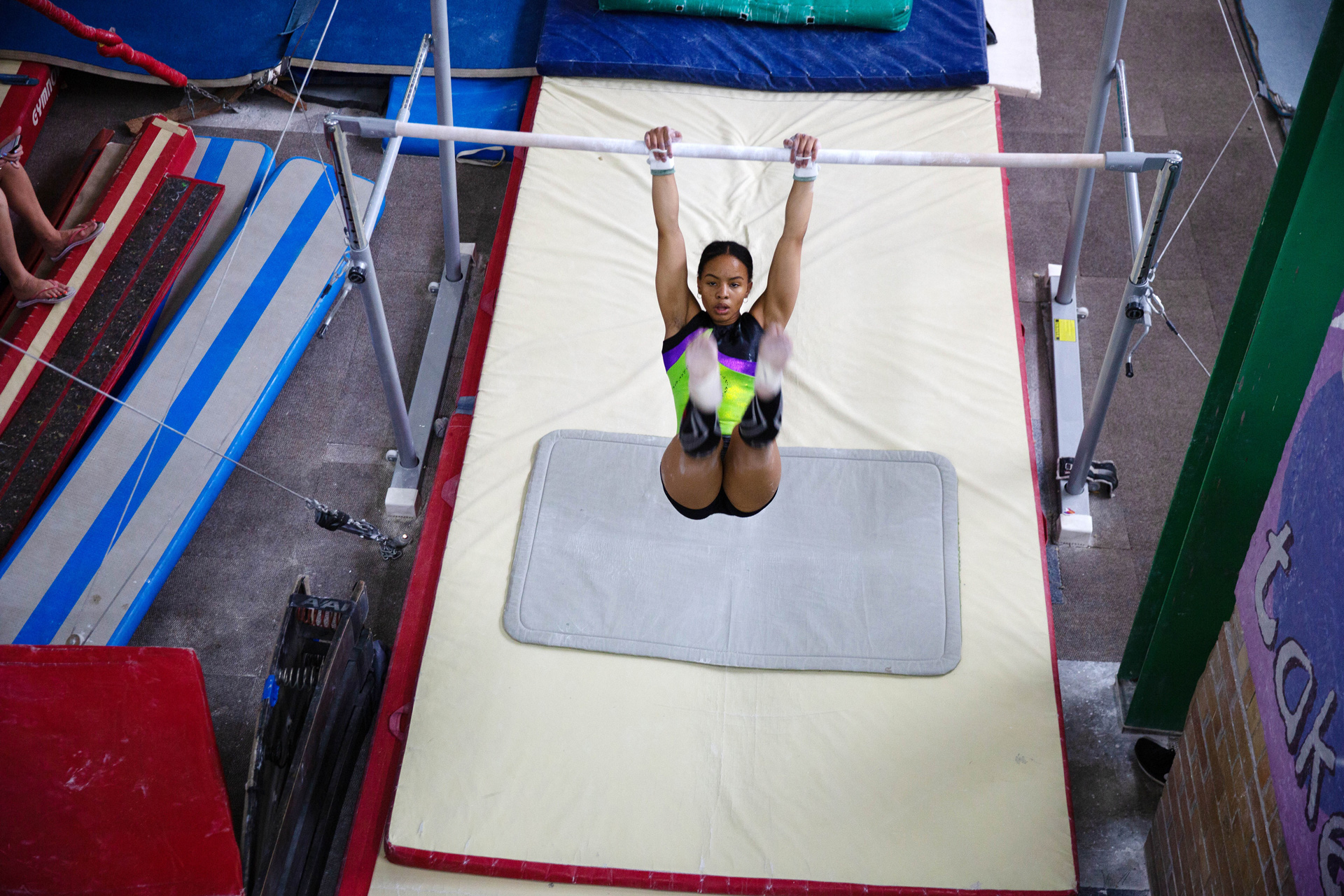 19 November 2019: Caitlin Rooskrantz's bar routine earned her a gold medal at the FIG World Challenge Cup in Hungary.