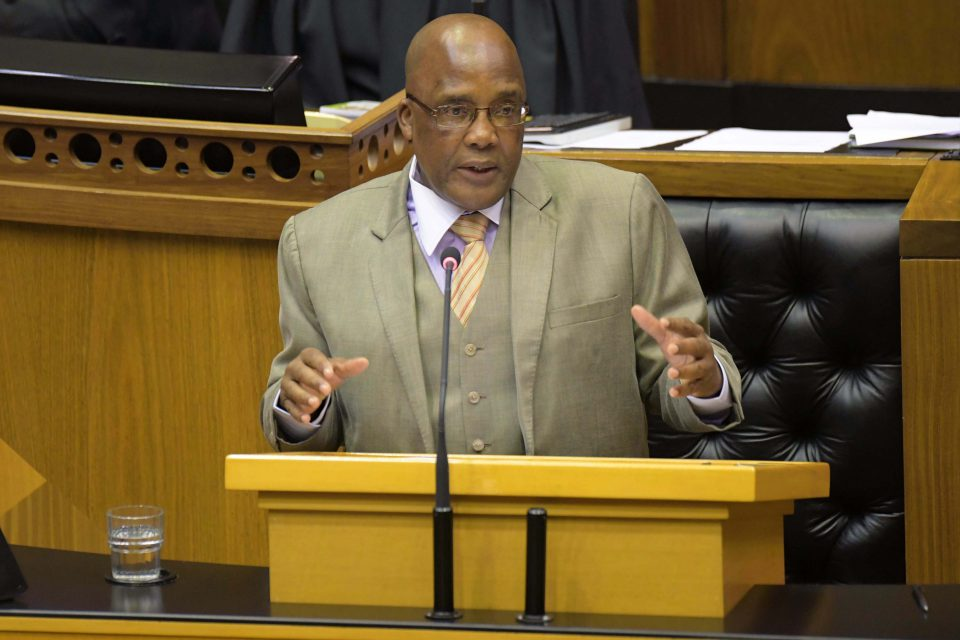 13 February 2019: Minister of Home Affairs Aaron Motsoaledi says Refugee Act amendments tie up loose ends and reduce regulation abuse. Others say they curtail the human rights of refugees and asylum seekers.