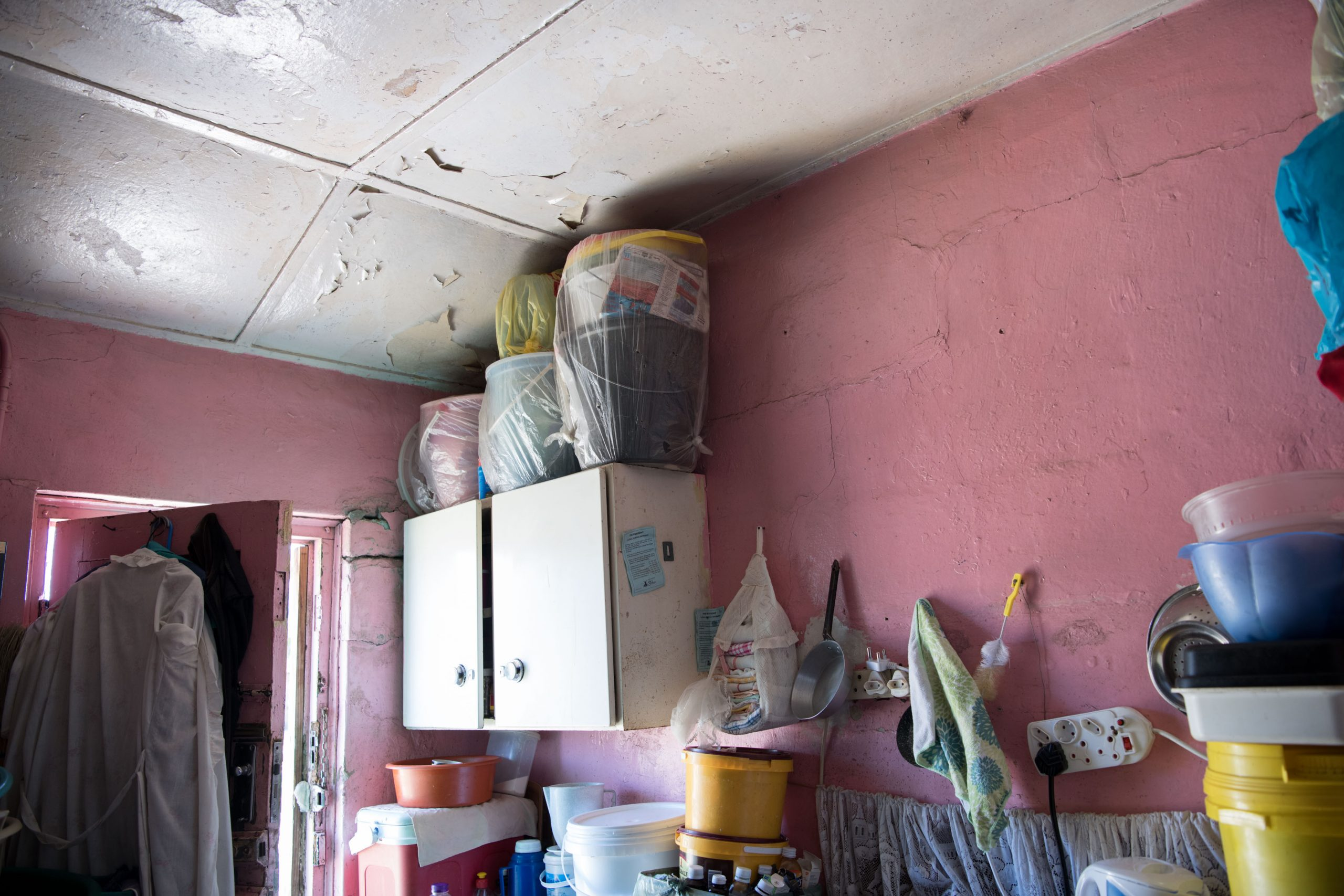 3 February 2020: There are cracks in Vuyiswa Pikoli's wall from when a car crashed into her house in 1988 and her ceiling leaks when it rains.