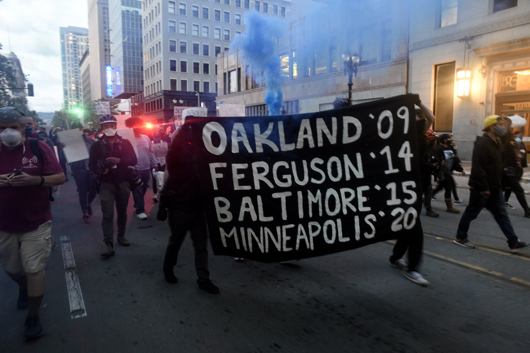 29 May 2020: Protesters showed up in downtown Oakland, California, to show solidarity with countrywide protests following the death of George Floyd in Minneapolis, Minnesota. (Photograph by Neal Waters/ Anadolu Agency via Getty Images)