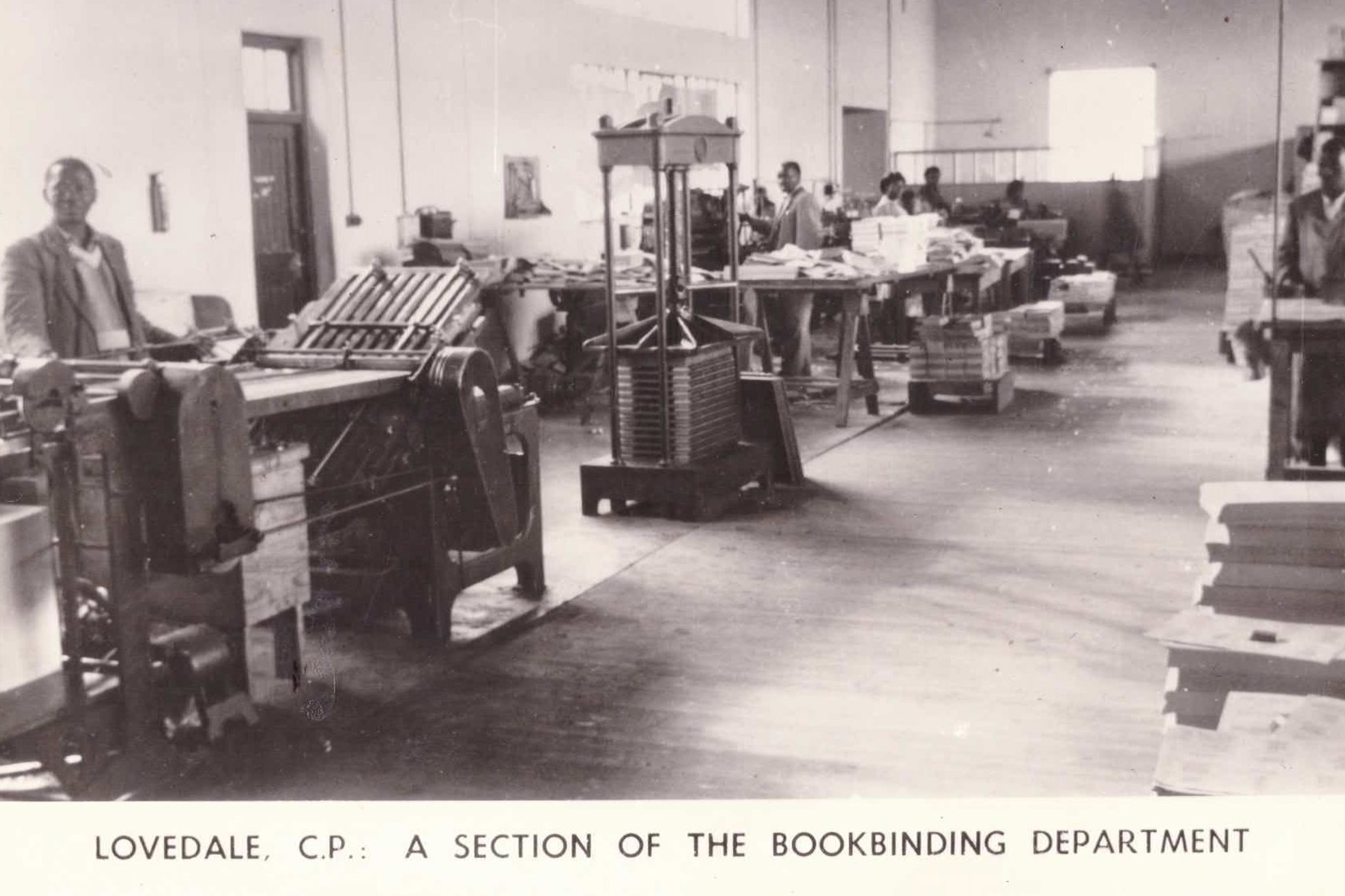 Undated: The Lovedale Press bookbinding department. (Photograph by Rhodes Tremeer, Alice)