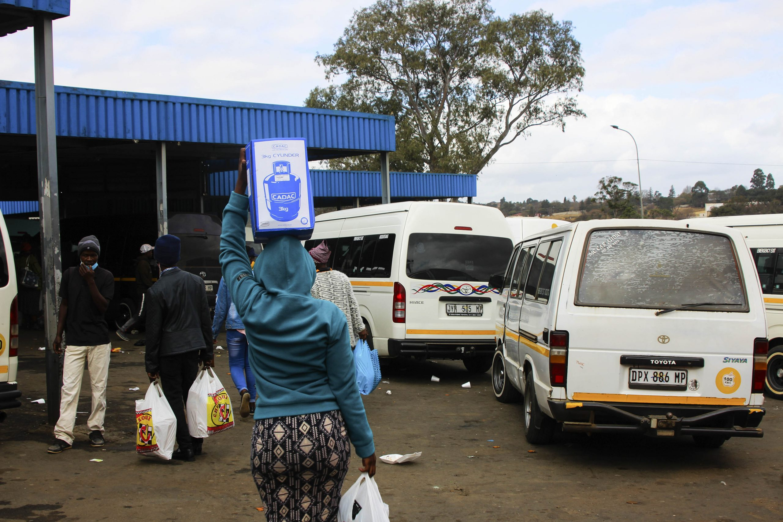 8 June 2020: Low-income earners from surrounding villages and townships depend on taxis when they need transport to buy groceries in Mkhondo. (Photograph by Magnificent Mndebele)