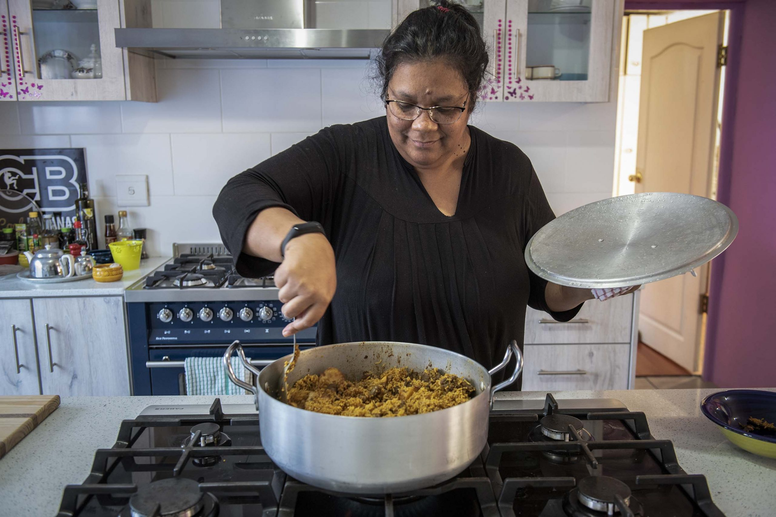 7 September 2019: Fatima Sydow presents her popular cookery show, Kaap, Kerrie en Koe'sisters, with her twin sister Gadija Noordien from her home kitchen in Lansdowne, Cape Town. (Photograph by Ishay Govender)