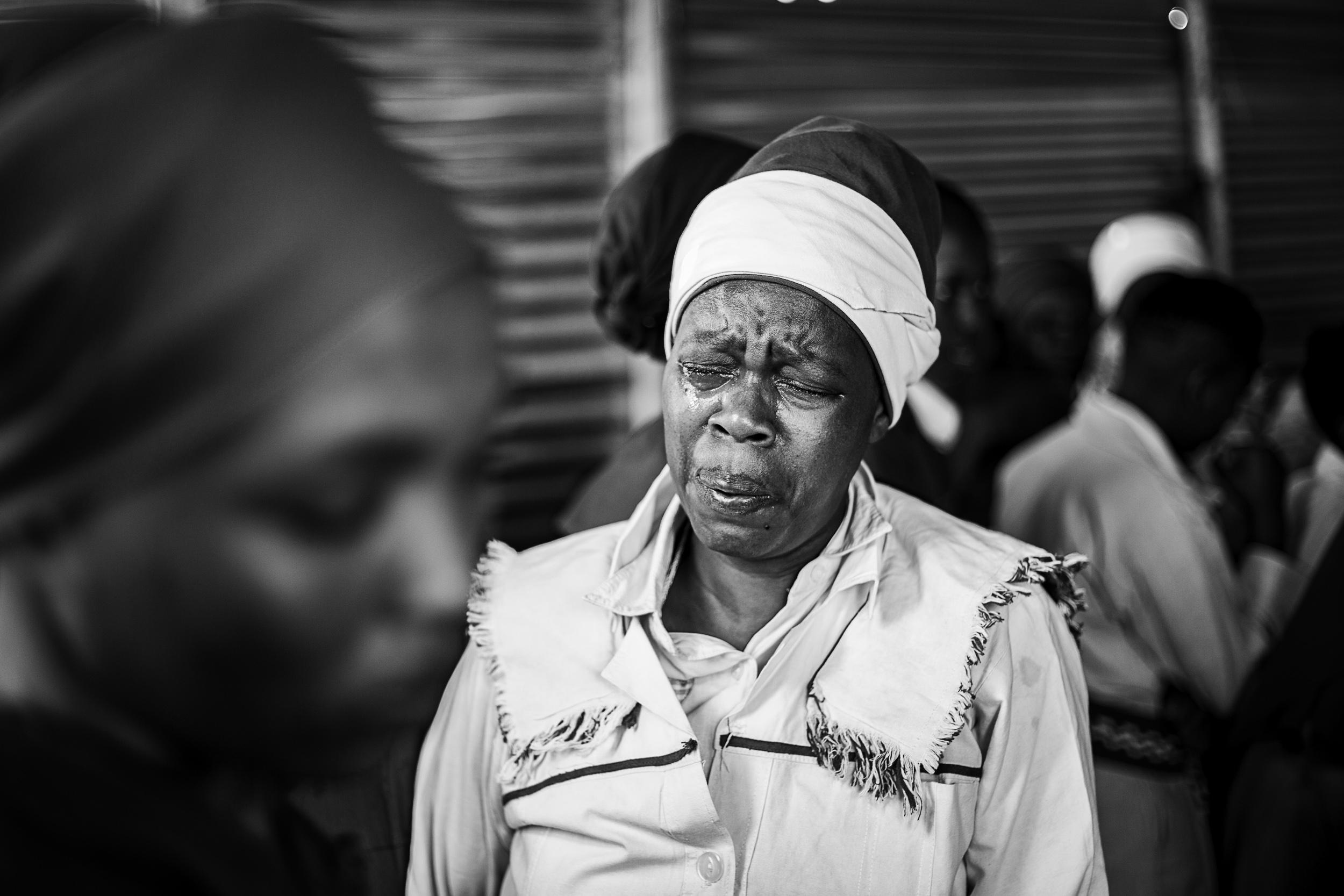 Undated: Yehla Moya Oyingcwele II – A women in a trance-like state during a prayer session at Ukuphila KwamaKrestu.